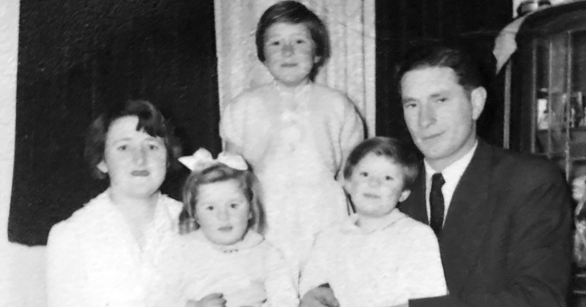 Shirley and Lyle Julin with their three eldest daughters